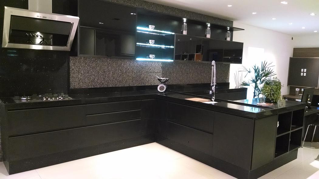 Bancada para cozinha em Quartzo Empório Stone Diamond  Black