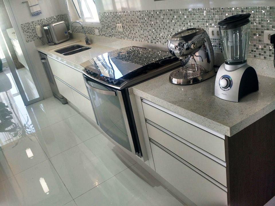 Bancada para cozinha em Quartzo Empório Stone Diamond  White